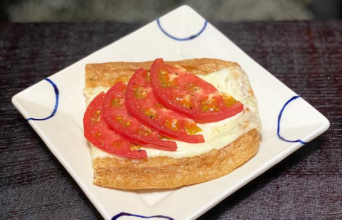 揚げのトマトチーズ焼